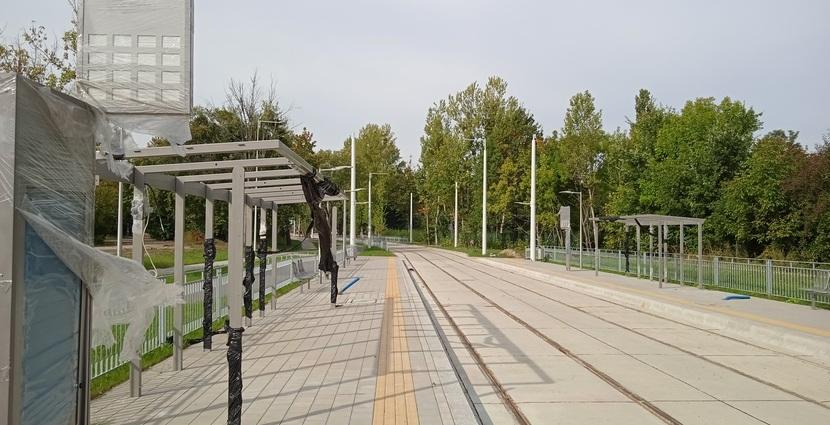 Nowy przystanek w ciągu ul. Strzegomskiej na trasie autobusowe-tramwajowej na Nowy Dwór