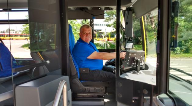 najstarszy stażem kierowca MPK, pan Bogusław