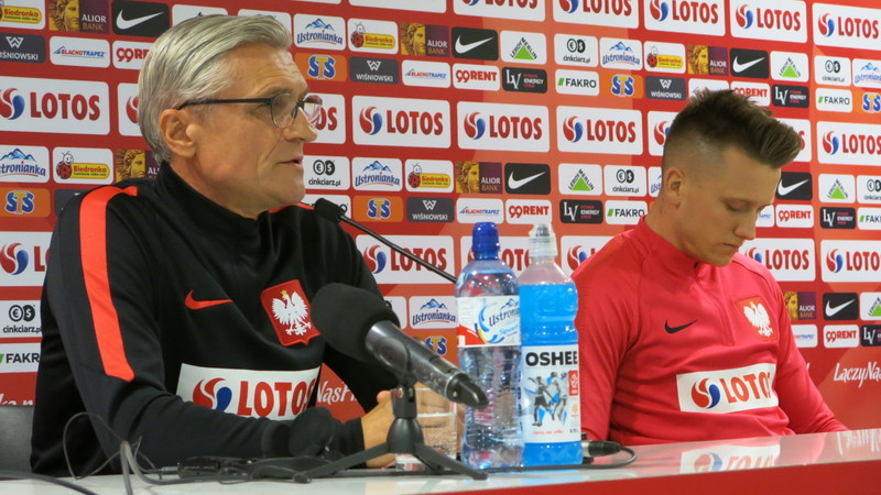 Selekcjoner Adam Nawałka i Piotr Zieliński na konferencji przed meczem z Nigerią, fot. Bartosz Moch