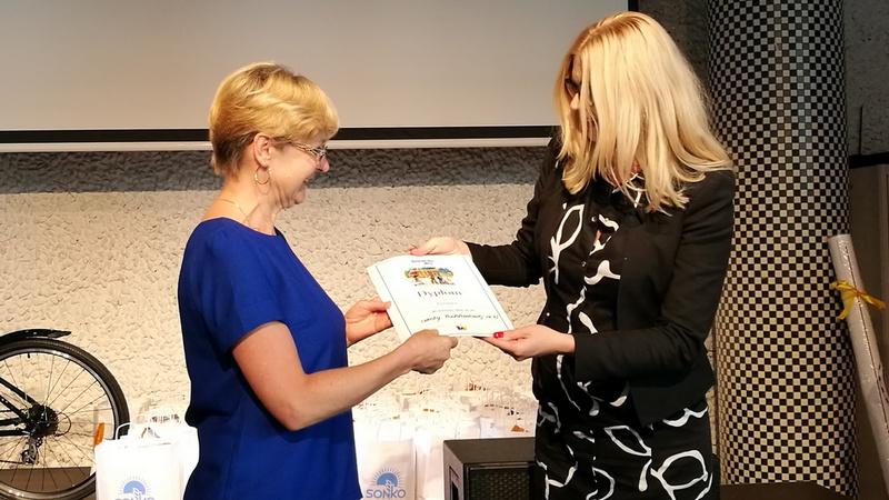 Nagrody najlepszym placówkom wręczałą Magdalena Piasecka, wiceprezydent Wrocławia, fot. Bartosz Moch