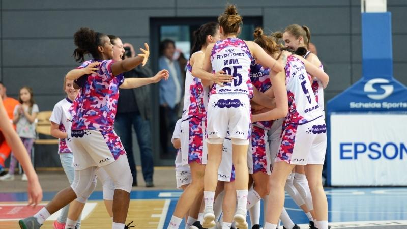 Radość siatkarek Artego Bydgoszcz po awansie do wielkiego finału Energa Basket Ligi Kobiet w sezonie 2017/2018, fot. Ślęza Wrocław