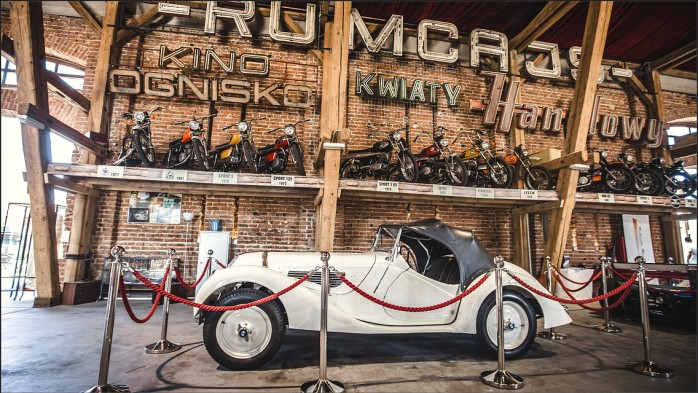 Hala w Muzeum Motoryzacji