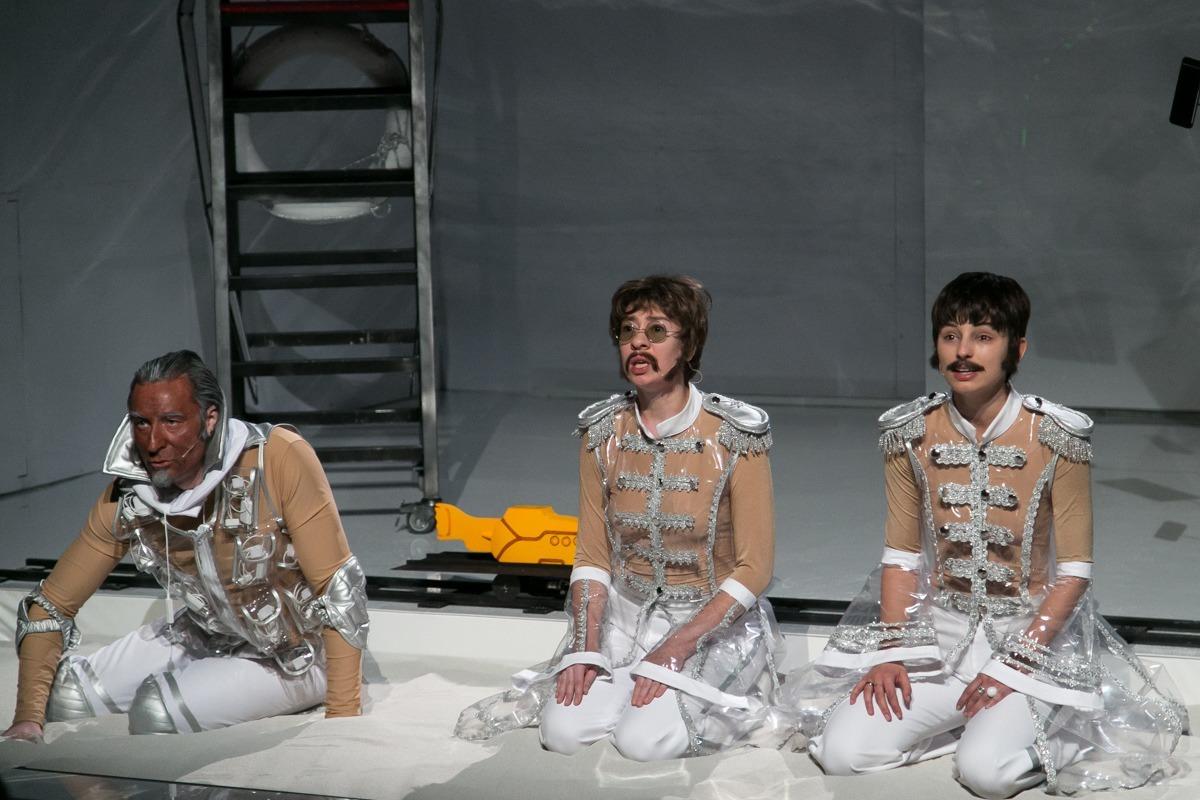 "The Beatles Polska: Teatr Muzyczny Capitol zaprasza na ""Y"" – sztukę Artura Pałygi z piosenkami The Beatle"