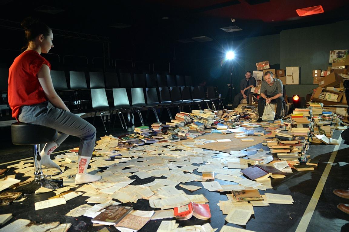Czystka Nowy Spektakl Teatru Capitol Na Scenie Restauracja Www