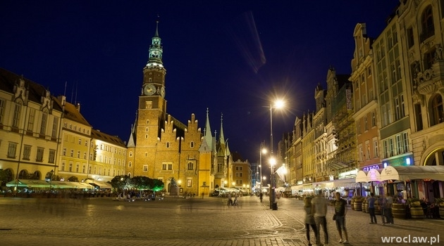 Wroclaw Market Square by night