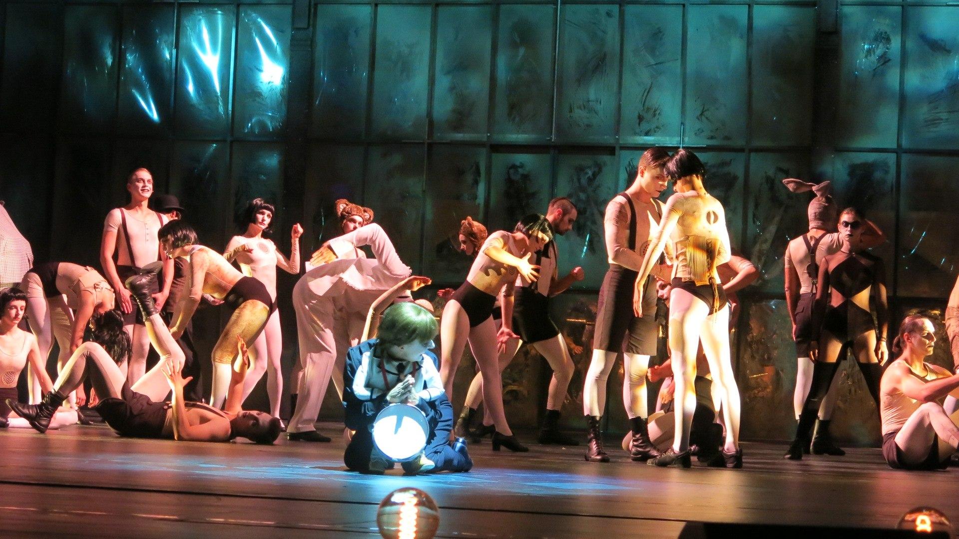Blaszany Bębenek Premiera W Teatrze Muzycznym Capitol Www