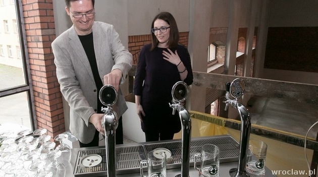 The owners presented their skills serving German craft beer