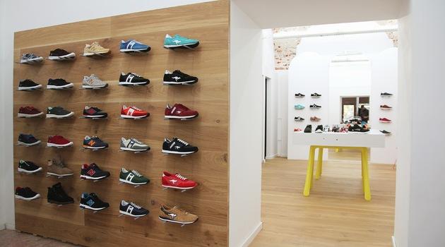 purchase cheap b9019 1693b Puma SMASH V2, Unisex-Erwachsene Sneaker, Schwarz (Puma Black-Puma Black  15), 38.5 EU