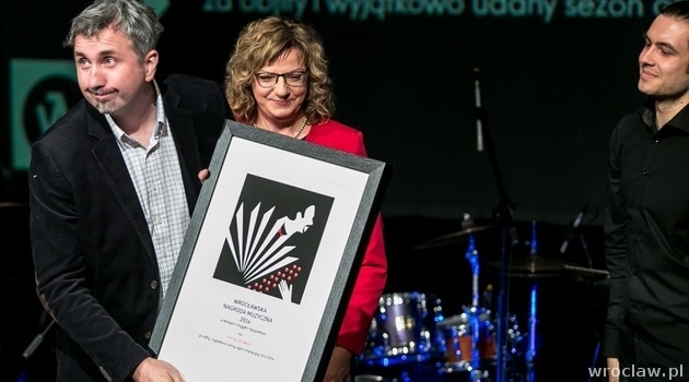 Piotr Dziubek  was presented with Wroclaw Music Award