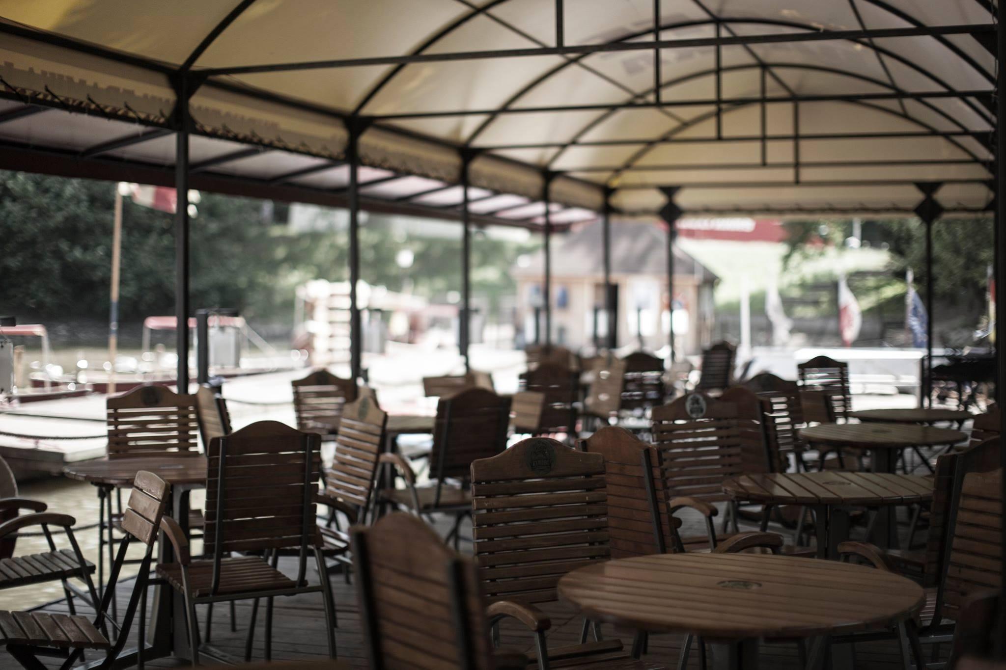 fot. Barka Cafe przy Zatoce Gondoli