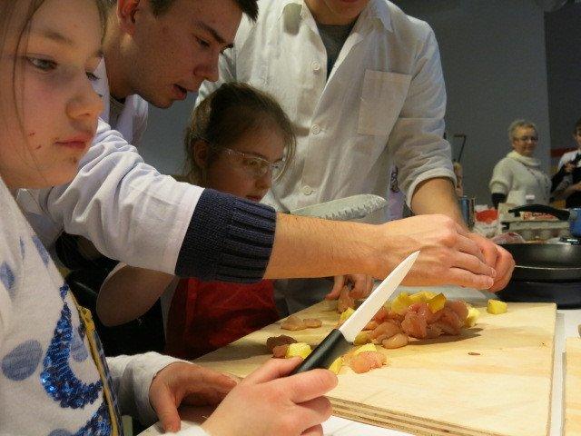 Kuchnia Molekularana W Kole Naukowym Na Uniwersytecie Przyrodniczym
