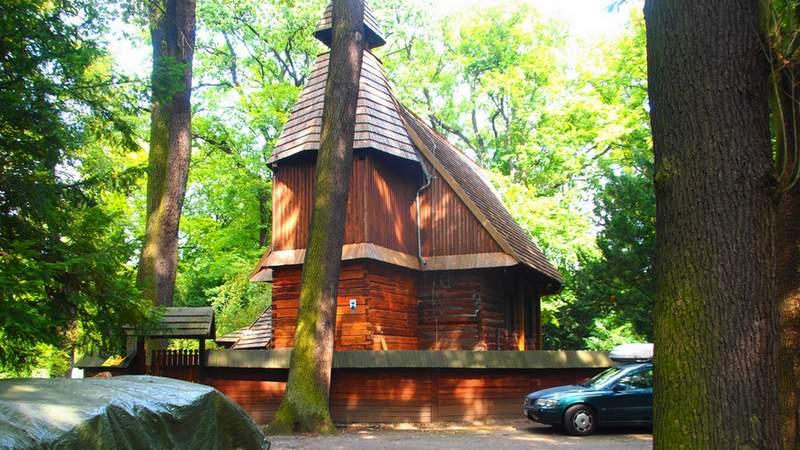 Wkrótce drewniany kościół w Parku Szczytnickim zostanie wyremontowany