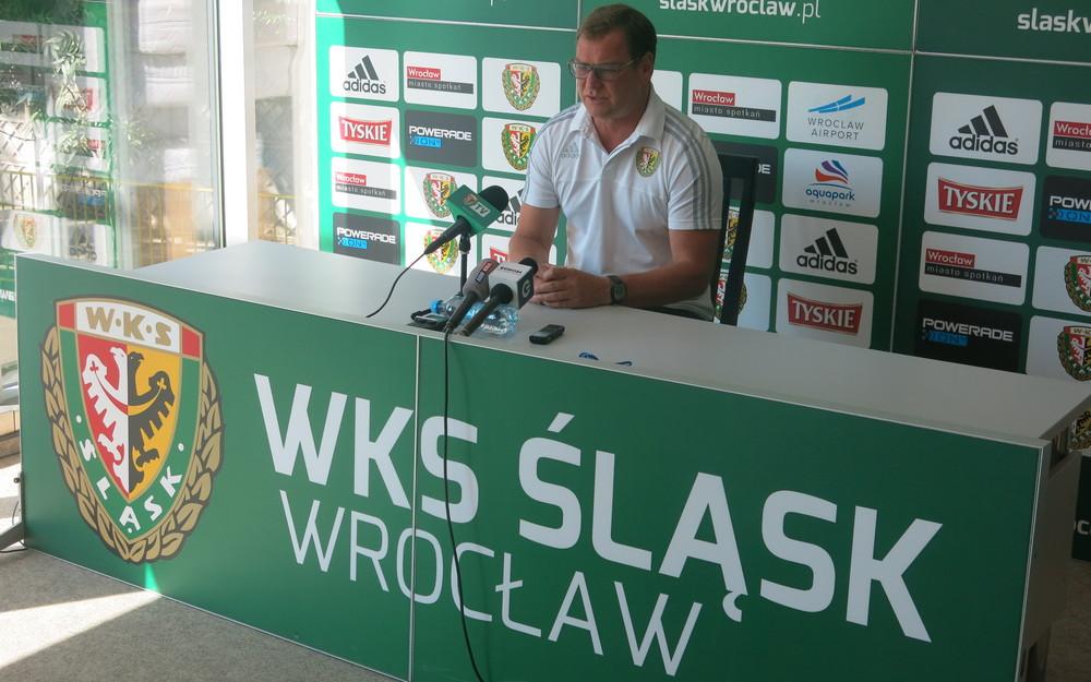 Trener WKS-u Jan Urban na konferencji prasowej przed meczem Śląska Wrocław z Piastem Gliwice