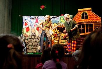Złota rybka spełnia życzenia – bezpłatny spektakl teatralny