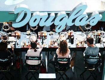 Akademii Makijażu Douglas
