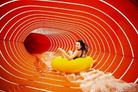 Kino na basenie