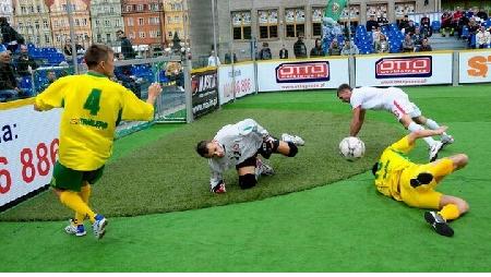 Piłkarze bezdomni zagrają na Rynku