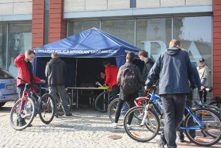 Akcja znakowania rowerów w Pasażu Grunwaldzkim