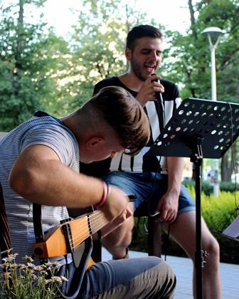 Koncert na żywo w Restauracji ALYKI