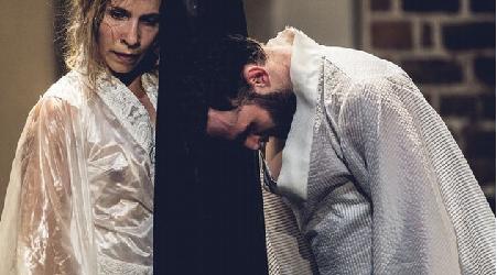 """""""Crazy God"""" – premiera w Teatrze Pieśń Kozła"""