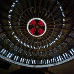Pokaz videomappingu pod kopułą Hali Stulecia
