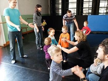 Akcja EDUKACJA czyli międzypokoleniowy projekt artystyczno-edukacyjny Wrocławskiego Teatru Pantomimy