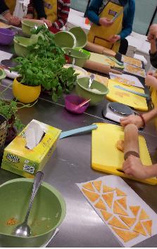 Nowy cykl zajęć kulinarnych dla dzieci! Dziś meksykańskie nachosy!