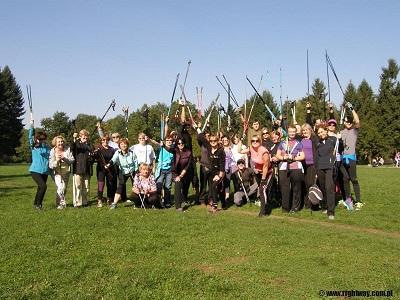 Wielki rodzinny marsz nordic walking w Parku Grabiszyńskim z RightWay
