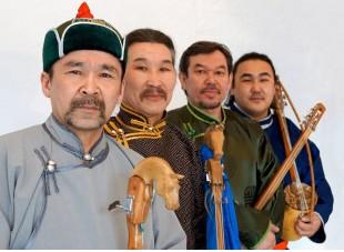 HUUN-HUUR-TU – legenda śpiewu gadłowego z Tuwy promuje nową płytę