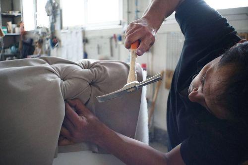 Renowacja mebli – warsztaty w Krzywym Kominie