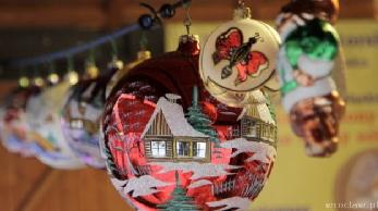"""Świąteczny jarmark w Galerii Sky Tower poziom """"0"""" galerii do 7 grudnia"""