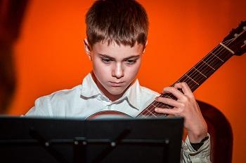 Scena Młodych, czyli świetlana przyszłość gitary