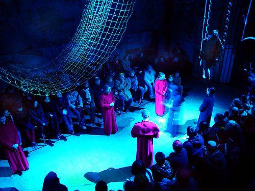 Trupi synod – spektakl