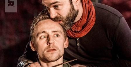 Spektakl National Theatre: Tom Hiddleston jako Korolian w Kinie Nowe Horyzonty