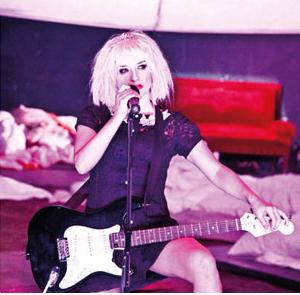 Nie w roli - spotkanie z Katarzyną Strączek po Courtney Love