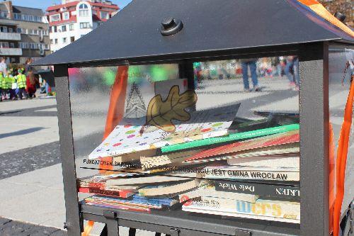 Wymiana książek i akcja pomocy dzieciom w Kinie Nowe Horyzonty