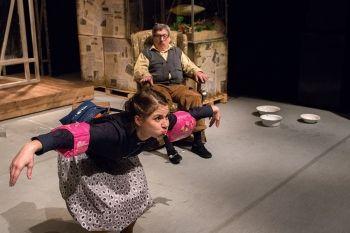 Po sznurku – spektakl w Teatrze Lalek