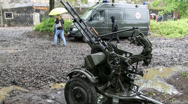 Zwiedzanie Mobilnego Muzeum Militariów