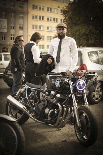 Charytatywny przejazd motocyklowy Distinguished Gentleman's Ride