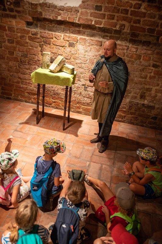 Masywnie Warsztaty historyczne dla dzieci w historycznym miejscu | www XW71