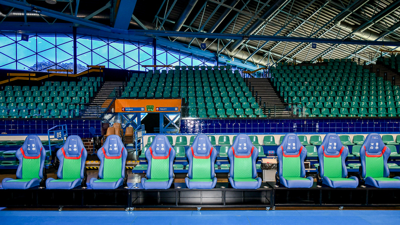 W hali Orbita pojawią się także fotele od MPK Wrocław. Będą pełniły funkcję wygodnej ławki rezerwowych dla zawodników wrocławskich drużyn, fot. UMW