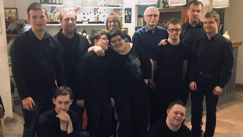 Przyszli pracownicy Cafe Równik, fot. facebook.com/caferownik