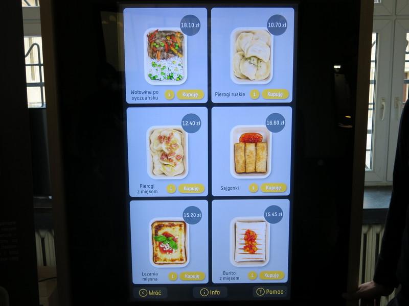 Do wyboru mamy sześć ciepłych potraw, fot. Bartosz Moch