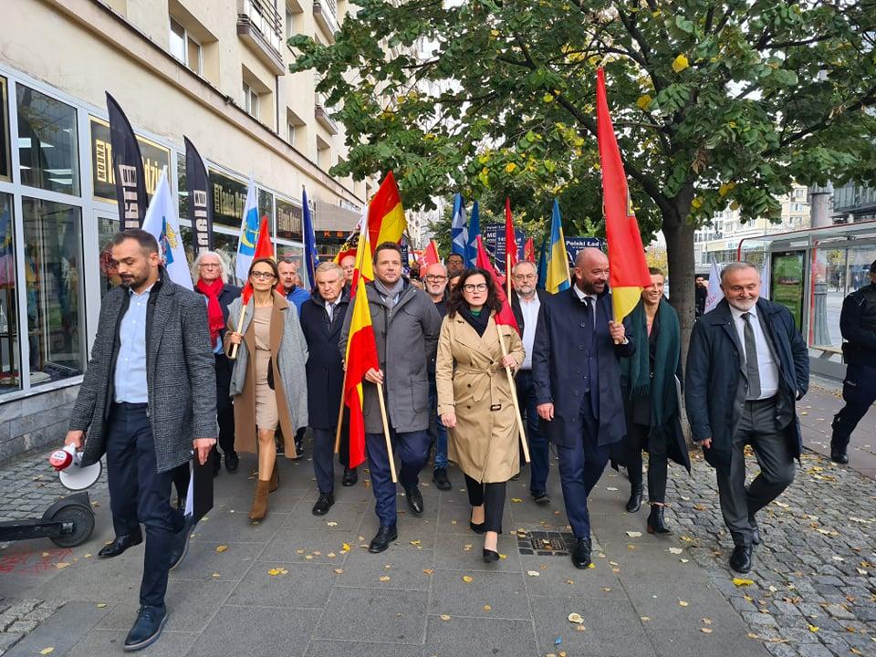 Przemarsz samorządowców do Sejmu RP